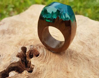 Broken wood and resin ring
