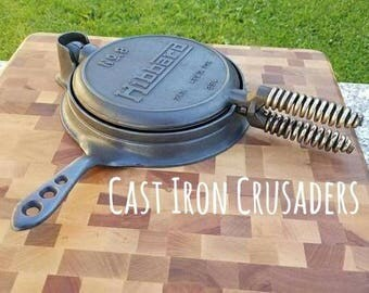 1927 Griswold Manufactured 'Hibbard' Advertising Cast Iron Wafflemaker. Extremely Clean, Seasoned With Organic Oils. Unique, Tough Design.