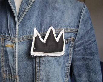 Little crown Basquiat Valentine's day pop art gift wearable art small crown brooch graffiti art unisex gift birthday textile jewelry art