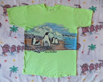 Vintage 80's Sea World San Segal T shirt, size Large 1988 bright neon Wraparound Graphic animal print