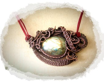 Wire-wrapped Pendant with labradorite