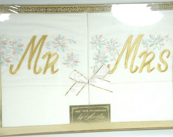 Vintage Artlin Wedding Gift Mr and Mrs Pillow Cases