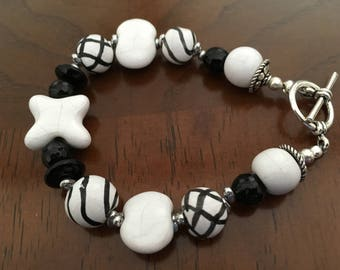 Unique Kazuri bead bracelet