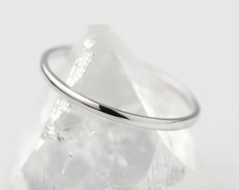 Thin platinum band, 1.3mm wedding ring, spacer ring, pt950, simple band, half round, comfort fit ring, w-rhrd-1.3mm