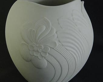 vtg 60s/70s bisque Pop Art relief porcelain vase signed Martin Freyer AK Kaiser