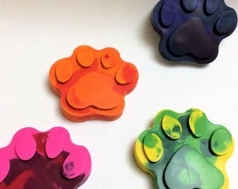 PawPrint Crayons, PawPrint, Handmade Crayons, Party Favors, Classroom Favors, Recycled Brand New Crayons, Fun Gift for Kids, Set of 24