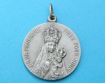French, Antique Religious Medal. Our Lady of Fenestre. Saint Virgin Mary and Jesus, Christ Child. Pendant. 160602 5 G