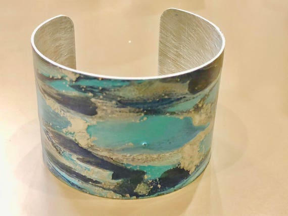 Enamel painted aluminum cuff open bracelet with abstract design (dark blue, turquoise blue, silver)