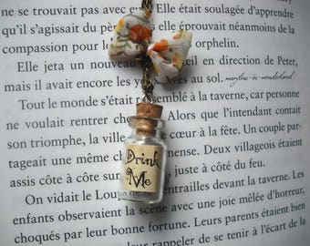"""Drink Me"" vial necklace ochre"