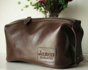 Personalized Groomsmen Gift  Mens Toiletry Bag Father Gift for Mens Gift for Him Leather Dopp Kit Bag Groom Gift Groomsman Gift