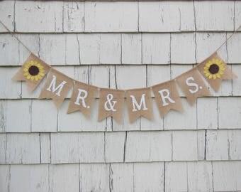 Sr and Sra Banner, Mr and Mrs Banner, Sunflower Bridal Shower Decorations, Sunflower Wedding Decorations, Country Wedding Ideas, Mr and Mrs