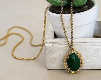 EASTER GIFTS, Jade Necklace, Emerald Green Necklace, Gold Necklace, Vintage Pendant Necklace, Green Jade Pendant, Jewelry Gift, For Her