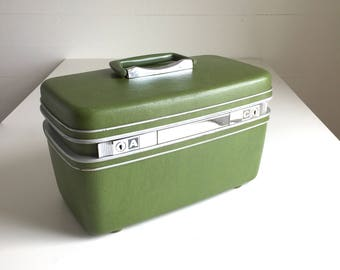 Vintage Green Train Case Samsonite Silhouette Avocado Make-up Case Hard Luggage Overnight Tray Stretchy Pockets