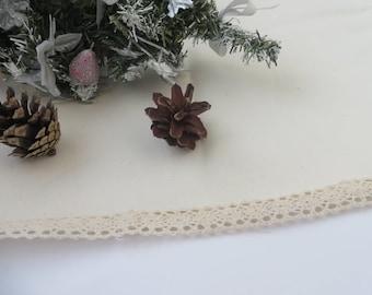 BURLAP TREE SKIRT with Lace Christmas Tree Skirt Rustic Christmas Tree Skirt Christmas Decor Rustic Holidays
