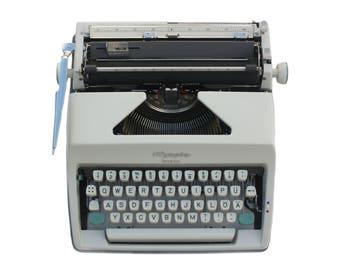 Typewriter Olympia Monica