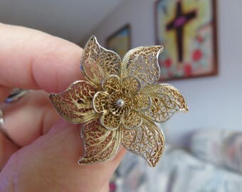 Vintage Estate 14K Gold Filled Flower Brooch with working Pin, Hallmarked on Pin, Good Vintage Condition