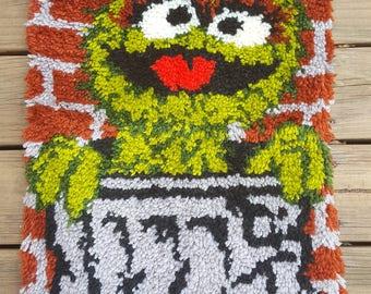 Adorable 1970u0027s Vintage Hand Latch Sesame Street Oscar The Grouch Rug