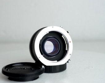 Minolta MC/MD Mount Focal Auto 2X Tele Converter - With Case and Minolta Lens Caps