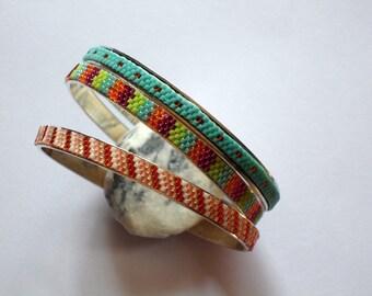 3 Bracelets joncs avec tissage perles