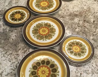 Vintage Casual Ceram Stoneware Electra Echo 9510 3 Dinner and 3 Salad Plates