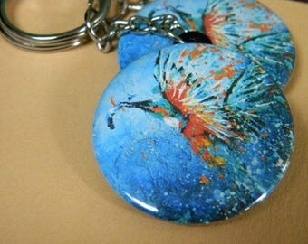 Keychain with a Kingfisher that comes out of water