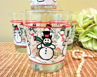Glasses set of 4 Snowman Dairy Queen Tumblers Christmas Drink Kitchen or Bar blm