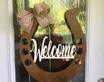 Welcome door hanger, horseshoe door hanger, horseshoe welcome door hanger, county life. Country door hanger, horseshoe