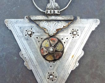 antik moroccan fibula with enamel