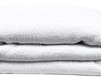 """THROW bed 240 x 260 fabric damask """"White"""""""