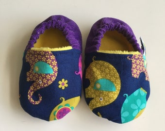 Soft soled shoes, baby slippers, baby shoes, pram shoes, crib shoes, prewalker shoes - 6-12 months, elephants
