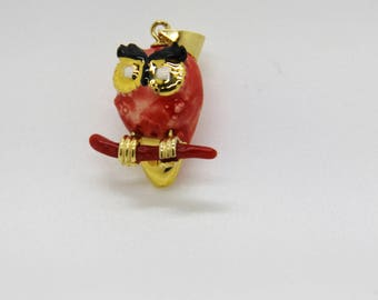 (OWL) pendant OWL in coral, gold-plated and hand painted ceramic