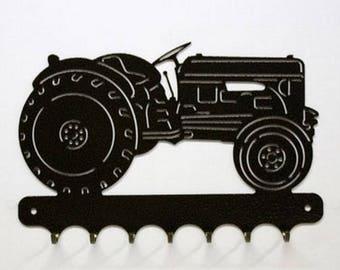 Hangs 26 cm pattern metal keys: tractor massey