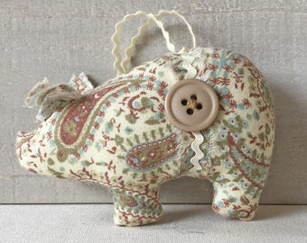 shabby cottage style - pig ornaments - handmade Christmas ornaments - farmhouse style - fabric pigs -  paisley - country cottage chic