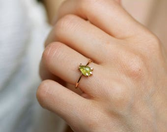 Pear Shape Smooth Peridot Engagement Ring. Peridot Ring. Engagement Ring