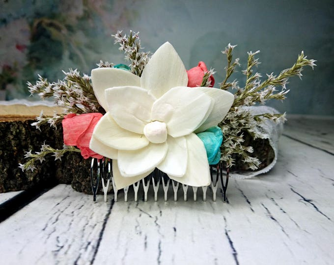 Beach wedding hair comb with sola flowers in ivory, turquoise and coral reef