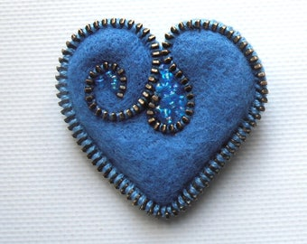 Valentine brooch small wool blue heart with blue beads
