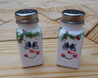 hand painted snowman glass salt and pepper shakers