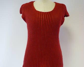 The hot price. Ruby cotton top, M size.