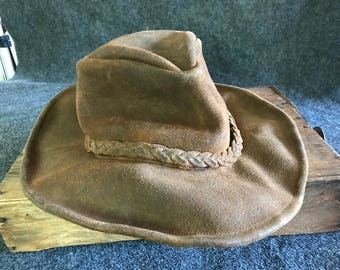 Amazing vintage Minnetonka leather hippie hat