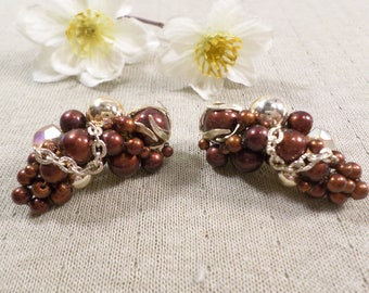 Beautiful Vintage Gold Tone Pair Of Lucite And Glass Beaded Cluster Clip On Earrings  DL# 2922