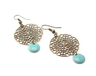 Earring bronze sequin enamelled blue and rose