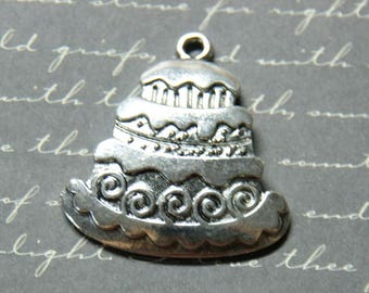 Great piece mounted 33x30mm silver charm