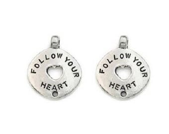 """""""Follow you re heart"""" round charm in silver 17 mm"""