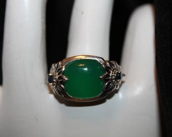 A1 Statement Emerald Green Jade Ring with Tanzanite Marked India 925 Other Tiny Stones Unsure of And Unreadable Marking Size 9
