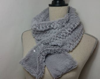 Scarf faux fur and glitter gray mouse