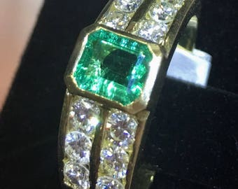 Emerald & Diamonds Ring 18K