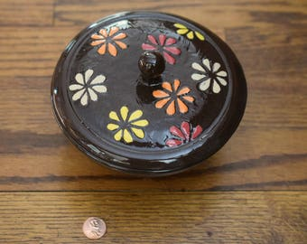 Covered jar with Asterisks