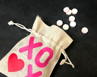 Valentines Burlap Favor Bags - valentines gift bags - valentines party favor bags - valentines party - hugs and kisses bags - candy bags