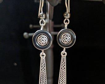 Celtic knotwork Dangle Earrings - Hematite - St. Patrick's Day - Irish