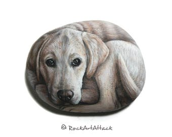 Labrador dog hand painted with Acrylics on stone! Detailed miniature painting on natural sea stone, animals painting, dog painted stone